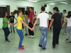 GRADISKA06 Omladina vezba folklorne igre foto M PILIPOVIC