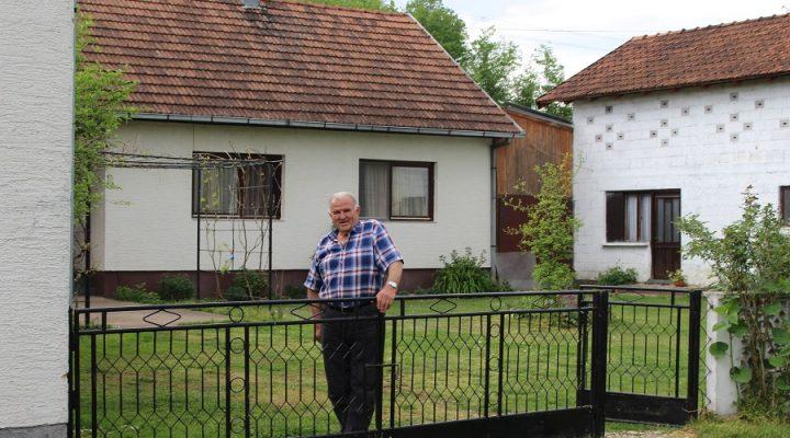 SELO TRI DECENIJE BEZ BEBINOG PLAČA Kladari kod Srpca imaju 36 kuća i 15 stanovnika